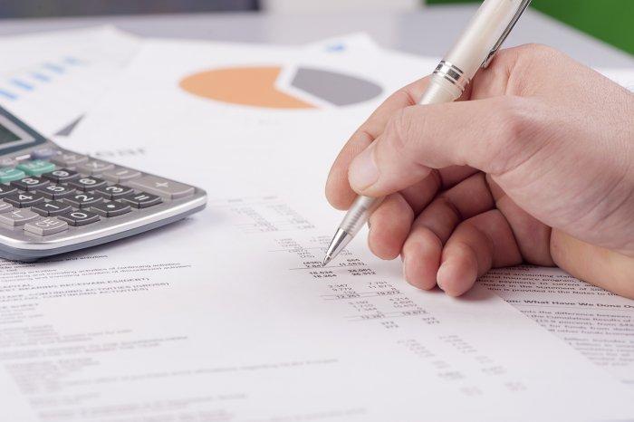 Как выплатить сохраняемый заработок на время трудоустройства